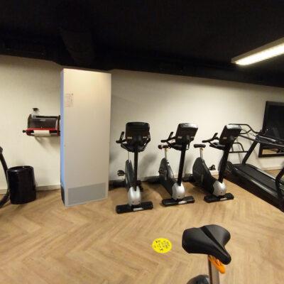 EAS1300-wit-sportschool